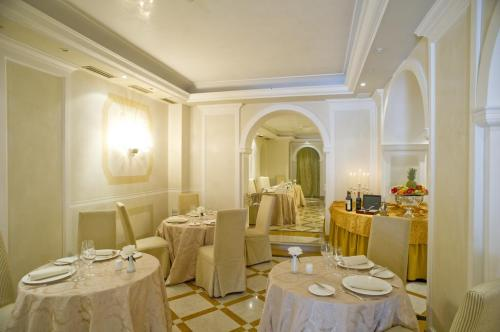 Restaurant - Hotel Carlton On The Grand Canal