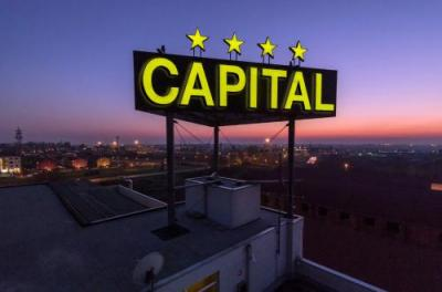 Foto del exterior de Hotel Capital