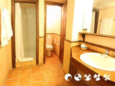 Foto del baño de Hotel GHM Monachil