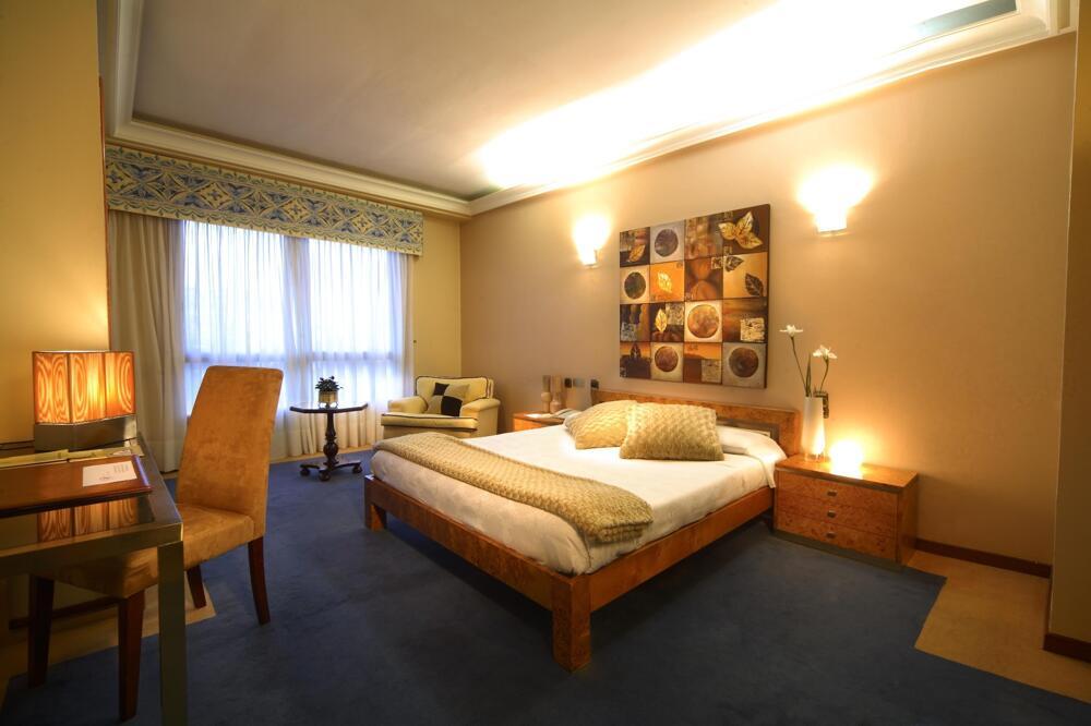 Hotel Nagari Vigo Central De Reservas