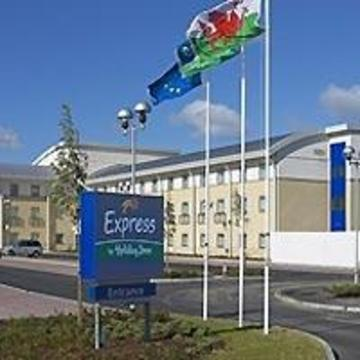 Photo Holiday Inn Express Cardiff Airport