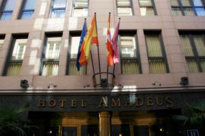 """Foto del exterior de """"Hotel Amadeus"""""""