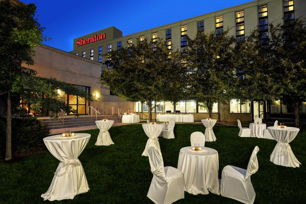 Sheraton Toronto Airport Hotel And Conference
