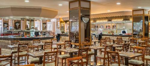 Dining – Hotel Beverly Park