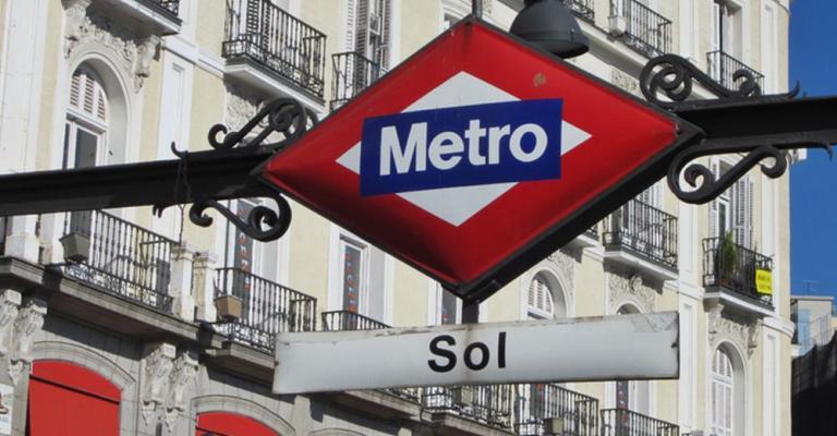 Foto von : Madrid metro Sol