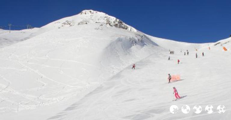 Foto von Ansalonga: Esquiadores en las pistas de Vallnord