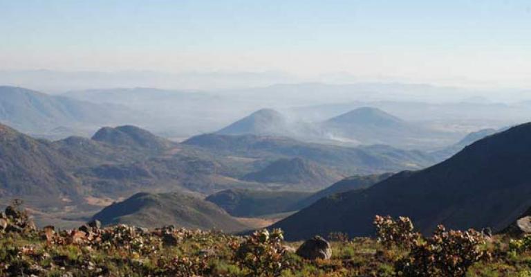 Foto von Angola: Las montañas alrededor de Luanda